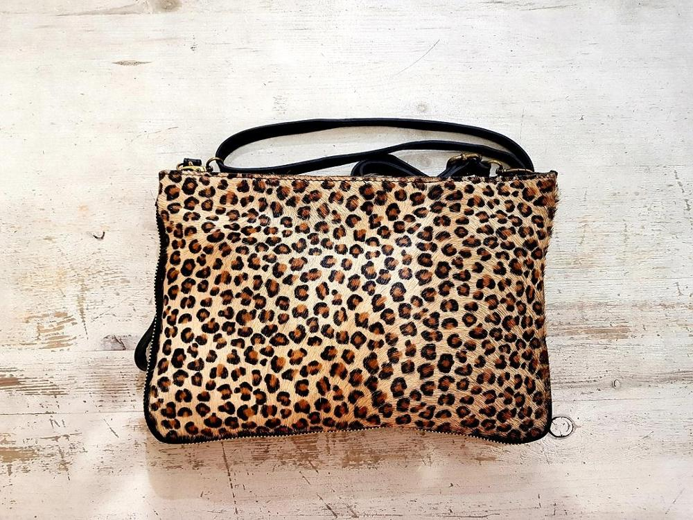 CARTERA BANDOLERA ANIMAL PRINT