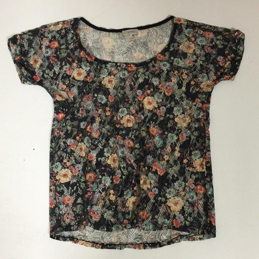ATRAPAME - Pull and Bear Blusa flores