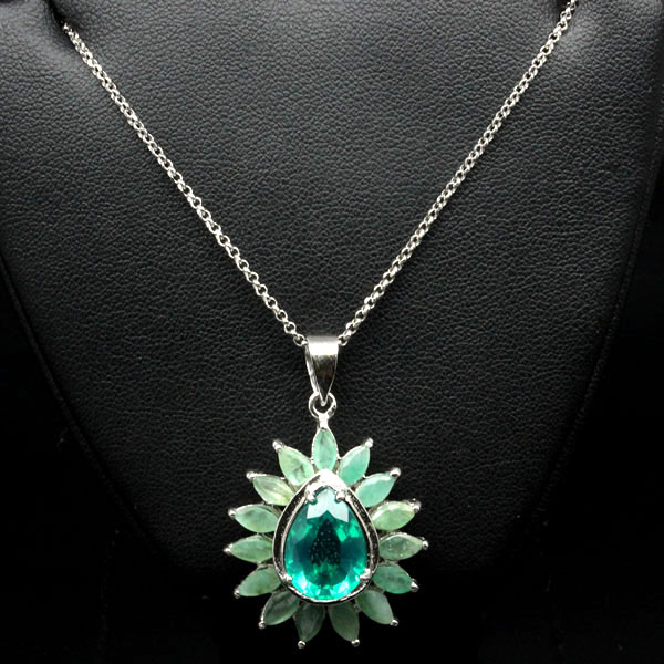 GEMSINOR Jewelry&Gems - SEDUCTIVE! GREEN NATURAL/LAB EMERALD 925 SILVER PENDANT - NECKLACE WHITE GP