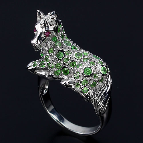 GEMSINOR Jewelry&Gems - ADORABLE NATURAL GREEN TSAVORITE GARNET-RUBY STERLING 925 SILVER HORSE RING SZ 8