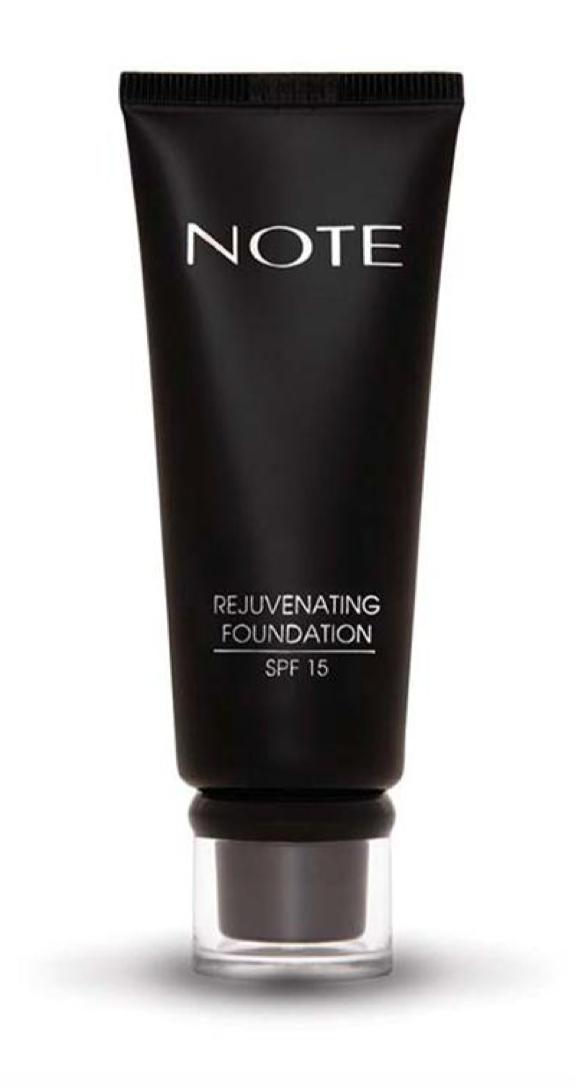 Marián Vidal - Note Cosmetics REJUVENATING FOUNDATION