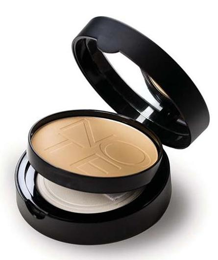 Marián Vidal - Note Cosmetics LUMINOUS SILK COMPACT POWDER
