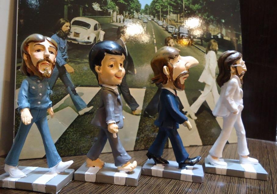 Nakasha - Juego de figuras de resina The Beatles Abbey road